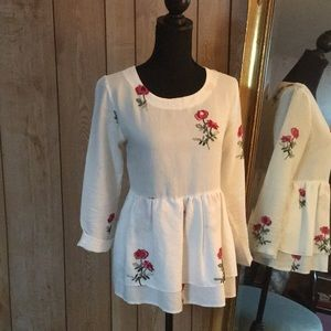 Tops - Beautiful embroidered peplum top